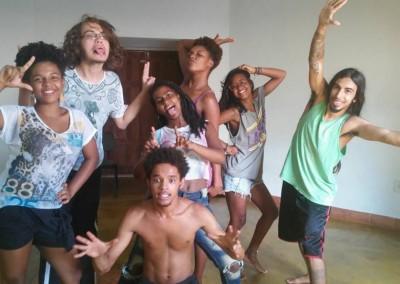 formação_jovens_grãos_de_luz_e_grio_teatro